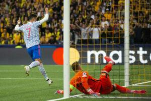 Ronaldo proslavlja svoj 135. pogodak u Ligi šampiona (Foto: Tanjug/Peter Klaunzer/Keystone via AP)